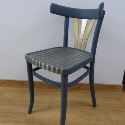 Sedia grigia/azzurra e oro